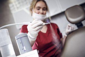 Professionelle Mundhygiene in der Zahnarztpraxis Ihres Vertrauens